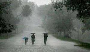 24 घंटों के दौरान भारी बारिश की चेतावनी, 45-55 Kmph की रफ्तार से चलेंगी तेज हवाएं