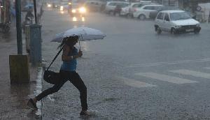 अगले 24 घंटे में इन 20 राज्यों में होगी तूफानी बारिश, 50 किमी प्रति घंटे की रफ्तार से चलेंगी हवाएं