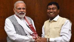 पीएम मोदी के खास मंत्री ने ही उठाई Assam NRC पर उंगली, कही ऐसी बात