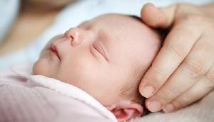 6 बच्चों के बाद फिर से पैदा हुई बेटी, माता-पिता ने दो हजार रूपए में बेच दिया