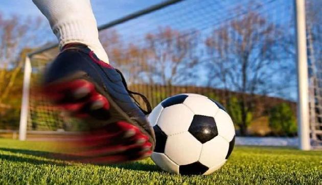 फुटबॉल टूर्नामेंट में मणिपुर की दो टीमों को लगा झटका, जानिए कैसे