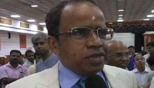 रिश्वत लेते कैमरे में कैद हुआ इस विश्वविद्यालय का कुलपति, देना पड़ा पद से इस्तीफा