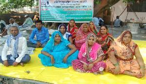 BSF जवान की पत्नी ने अफसरों से मांगा जवाब, लिखी चिट्ठी