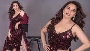 52 की उम्र में 'शिमर ड्रेस' पहन कहर ढा रहीं अभिनेत्री, पहले नहीं देखा होगा ऐसा अवतार