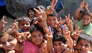 एक झटके में 19 लाख लोगों की बढी मुसीबतें, लेकिन इन बच्चों के चेहरों पर आई मुस्कान, जानिए क्यों
