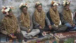 यहां सभी सगे भाइयों से होती है एक लड़की की शादी, हैरान करने वाली सच्चाई