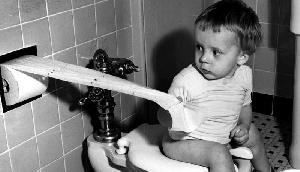 अगर इस तरह बैठते है टॉयलेट में तो हो जाएं सावधान, इन रोगों का है खतरा