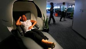 अब नहीं होगा Office में तनाव, झपकी लेने के लिए कमरे बनवा रही हैं कंपनियां