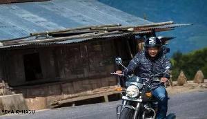 ये शानदार बाइक चलाते नजर आ रहे हैं Pema Khandu, दे रहे हैं ये मैसेज