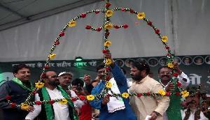 भाजपा के खिलाफ इस पार्टी ने भरी हुंकार, कहा- सिंहासन खाली करो की जनता आती है