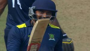 इस बल्लेबाज ने किया कुछ ऐसा कि इस दिग्गज खिलाड़ी से हो रही तुलना, रचा इतिहास