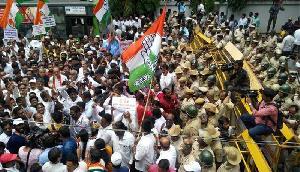 कांग्रेस नेताओं का विरोध-प्रदर्शन, ये नेता हुए शामिल