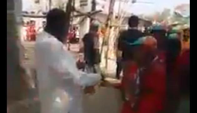 राहुल गांधी शाहीन बाग में प्रदर्शन के लिए बांट रहे पैसे! देखें वायरल वीडियो की सच्चाई