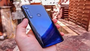 40 घंटे चलने वाले इस Motorola की कीमत में आई और गिरावट, ये है नया Price
