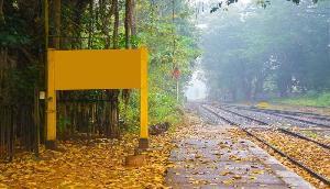 कहीं और नहीं बल्कि भारत में है दुनिया का अनोखा रेलवे स्टेशन, जिसका नहीं है कोई नाम