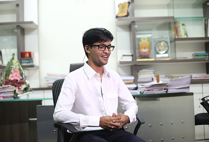 He became an IAS officer at the young age of 21 besides being a son of an  Autorikshaw Driver!