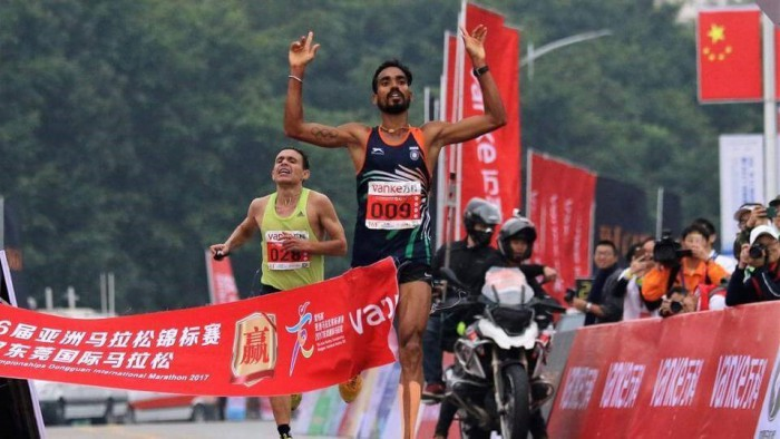 Thonakal Gopi first Indian to bag gold at the Asian Marathon Championship!