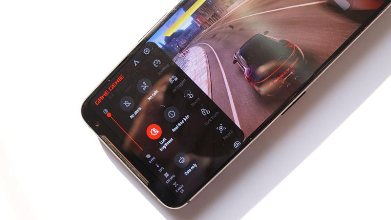Asus-Rog-Phone-Images-(9)-Game-Genie