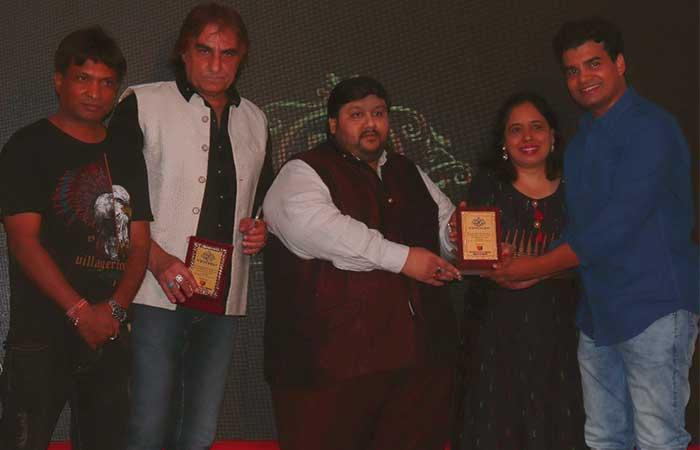 हीरो राजन कुमार को फिल्म 'नमस्ते बिहार' में सर्वश्रेष्ठ अदाकारी के लिए कैंडिड एक्टर अवार्ड