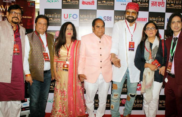 मूनवाइट फिल्म्स इंटरनेशनल फिल्म फेस्ट में अनूप जलोटा, जस्पिंदर नरुला और डी वाई पाटिल की शिरकत