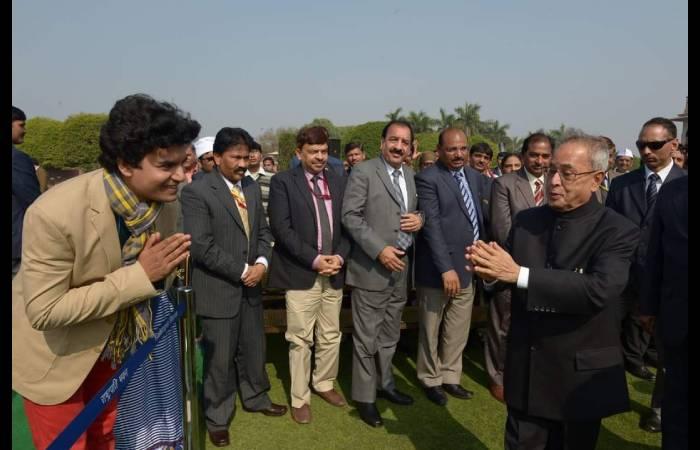 पूर्व राष्ट्रपति प्रणब मुखर्जी से सम्मान प्राप्त करना मेरे लिए गर्व की बात रही: हीरो राजन कुमार