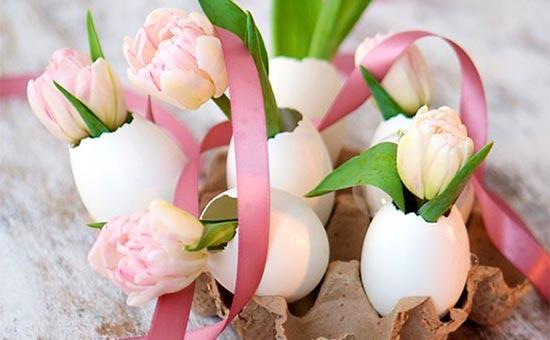 Floral Egg-tastic Centerpieces