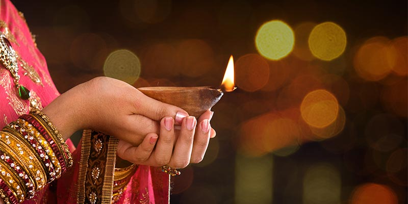 Unique Ways to Celebrate Diwali in Different Parts Of India