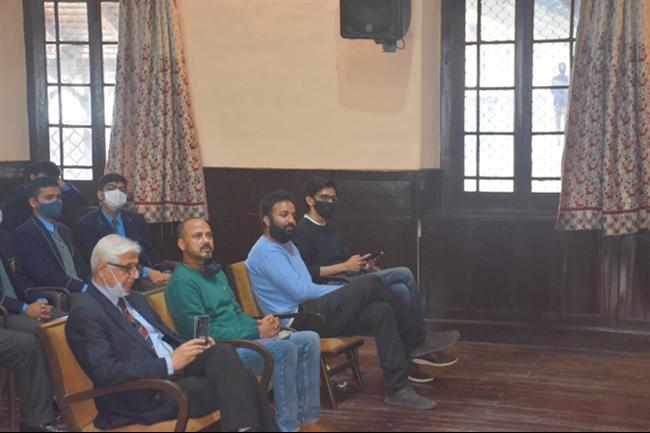 INTERACTION BETWEEN SEM ALUMNI MAJ GEN JASWAL (RETD) AND STUDENTS