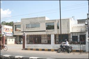 Tivoli Cine Home (Gymkhana Grounds)