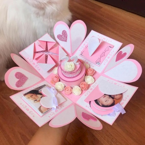 Pink color single layer explosion box
