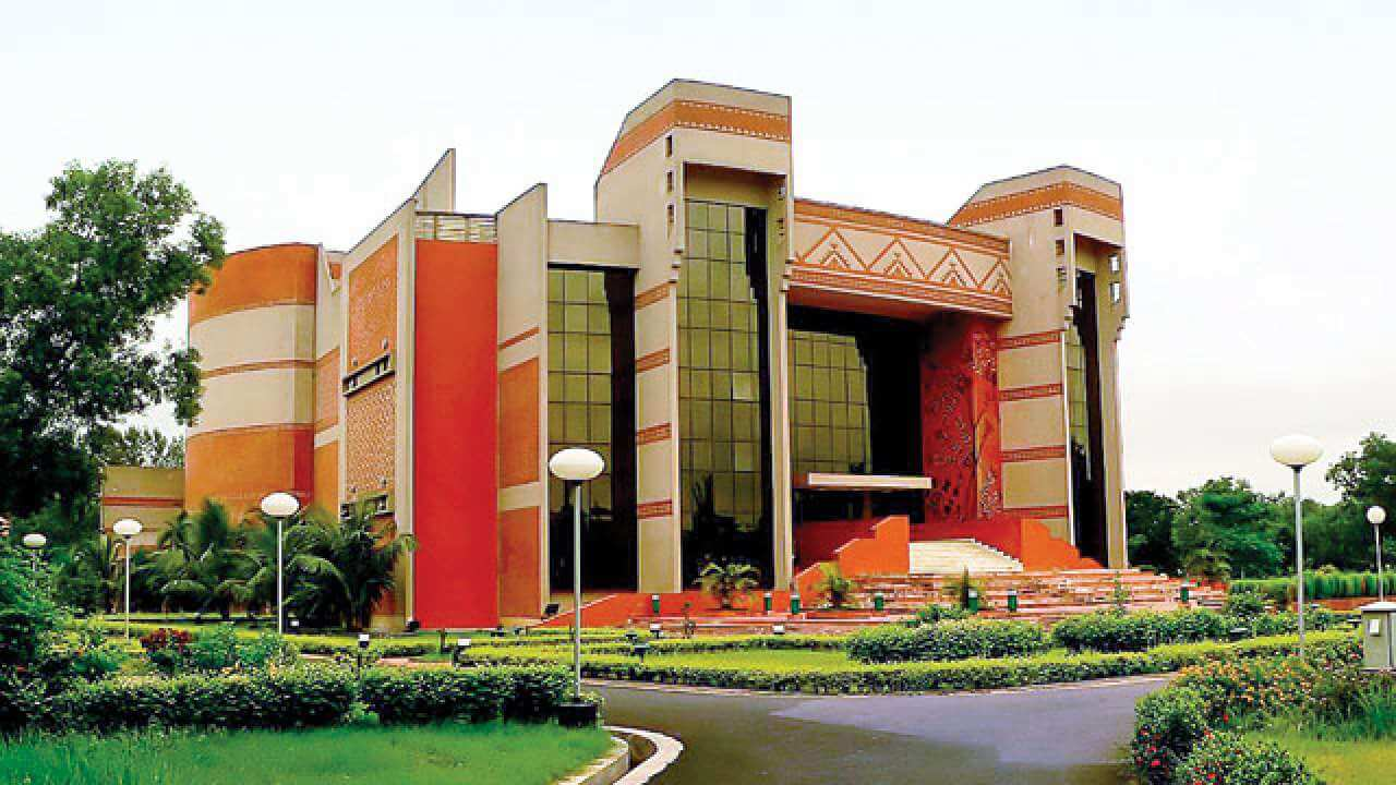 IIM Kolkata, top mba university in india