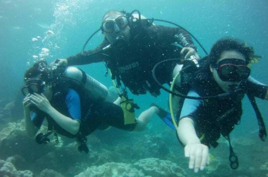 Discover Scuba Diving in Unawatuna