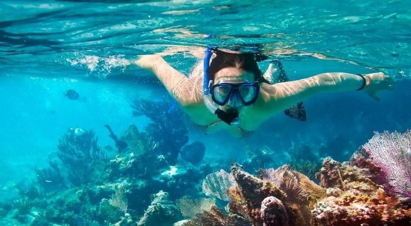 Snorkelling in Nilaveli