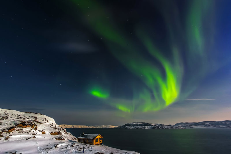 NEW YEAR IN RUSSIA WITH AURORA LIGHT