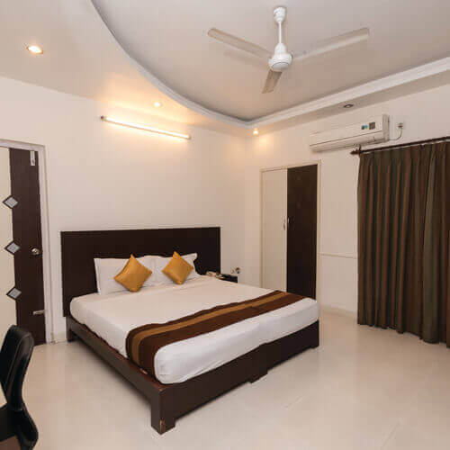L and T Raintree Boulevard Guest Accomadation