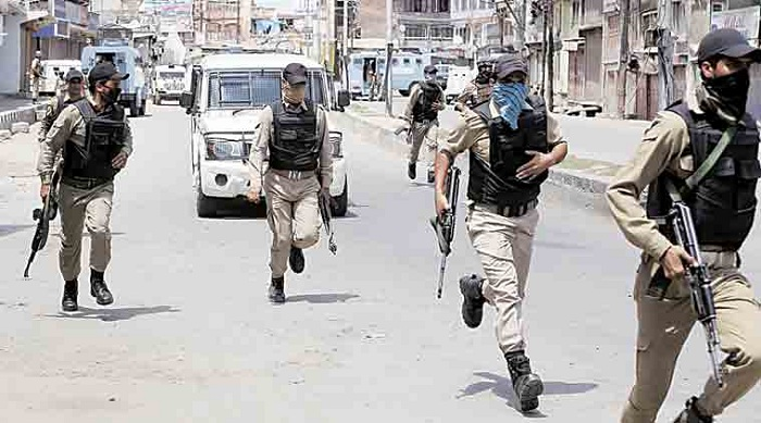 CRPF on Monday foiled an early morning suicide attack on one of its camp in Bandipora