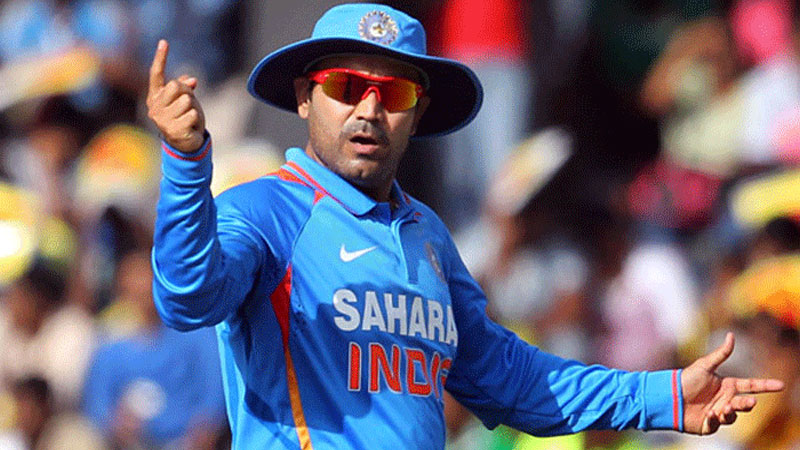 Virender Sehwag keeps it straight and short, sends 2-line resume to BCCI
