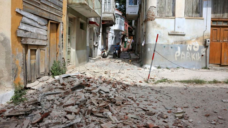 Earthquake measuring 6.1 on the Richter scale hits Greece