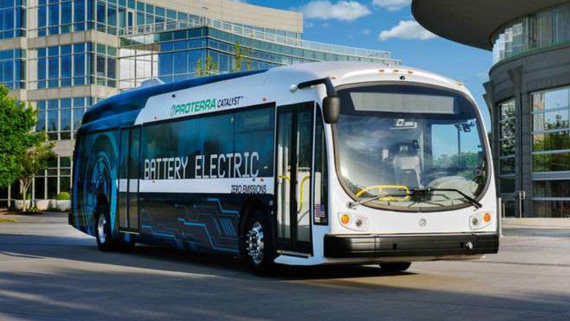 Catalyst E2 Max electric bus drives 1100 miles on a single charge