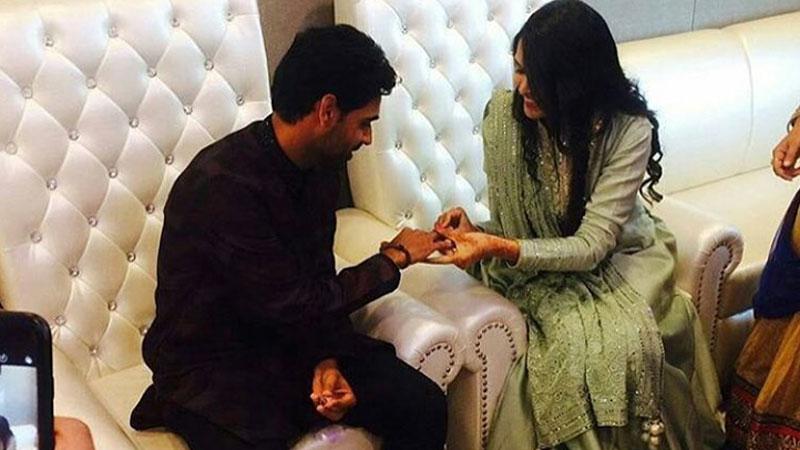 Bhuvneshwar Kumar exchanges ring with Nupur Nagar