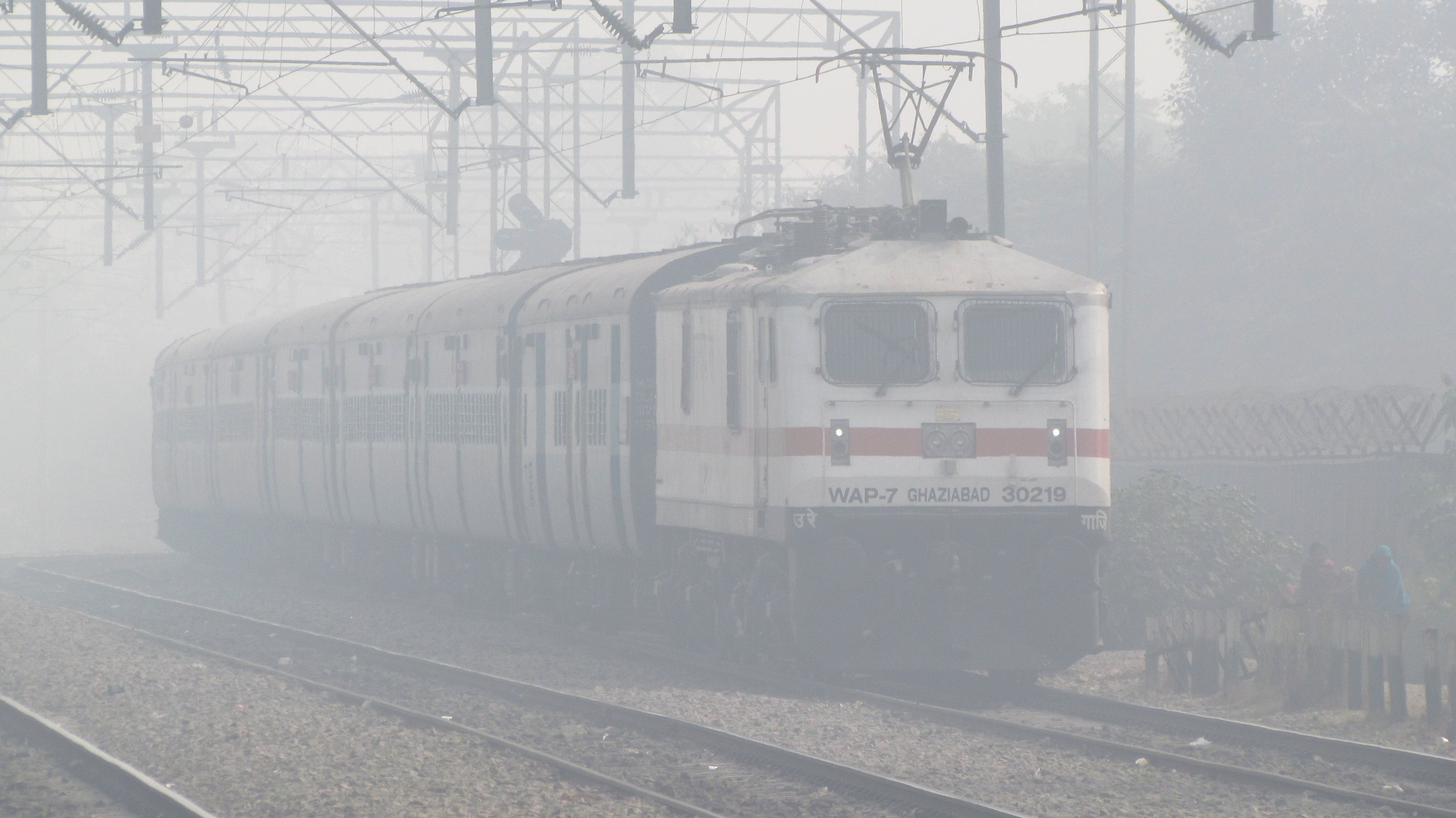 Delhi: Partly cloudy Friday morning, six trains cancelled