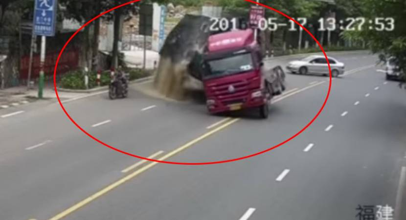 Video: Truck, bike, car and a dramatic escape from death