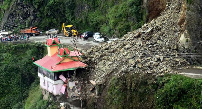 Watch: Landslide on Chandigarh-Shimla National Highway, videos go viral