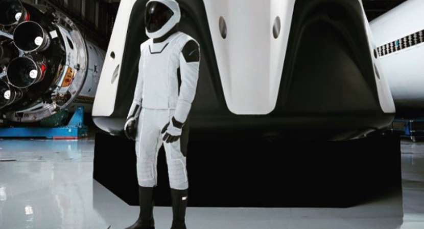 SpaceX CEO Elon Musk Shares First Full-body Photos of crew dragon space suits for astronauts