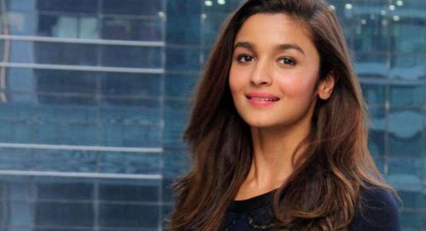 Shah Rukh Khan's Lux Golden Divas- Baatein with the Badshah: Alia Bhatt not scared of failure