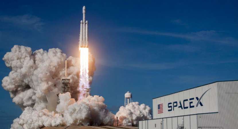SpaceX Launches Spanish Communication Satellite Into Space