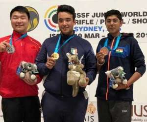 Shooter Vivaan shines at Junior World Cup