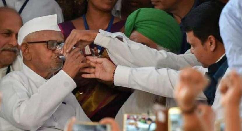 After six days, Anna Hazare ends indefinite hunger strike