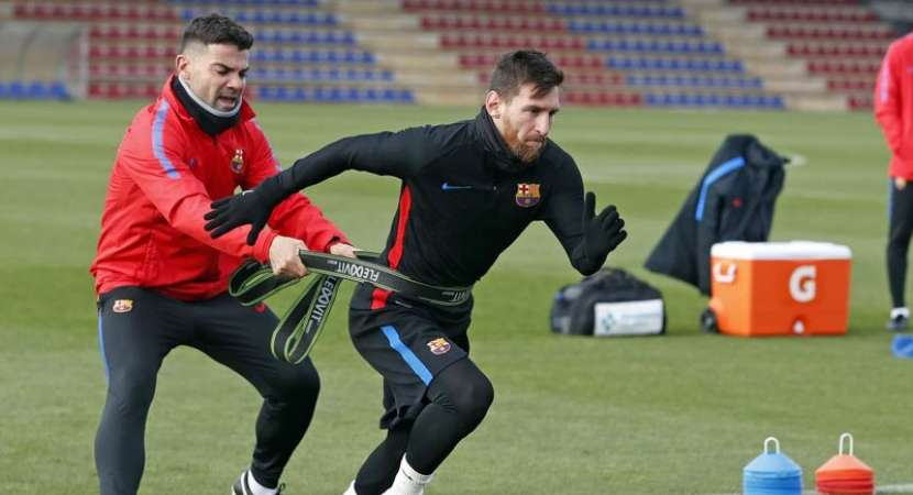 Messi participates in Barca training