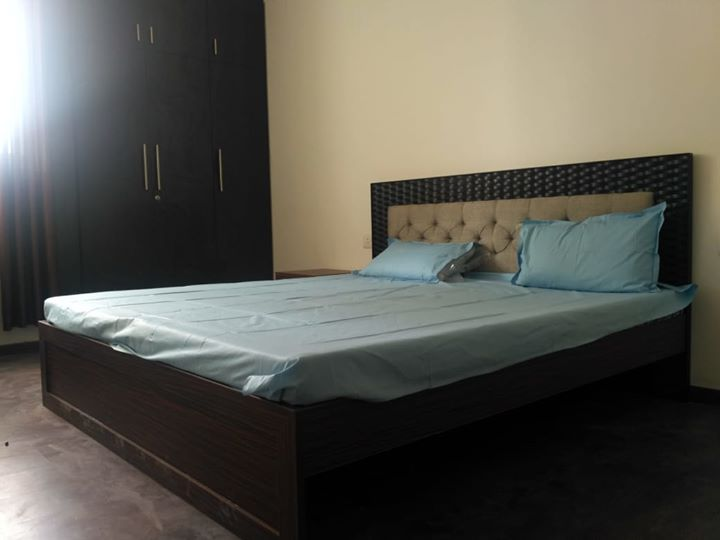 Single-room-available-for-rent-in-Sector 66-gurgaon-for-rs-20000